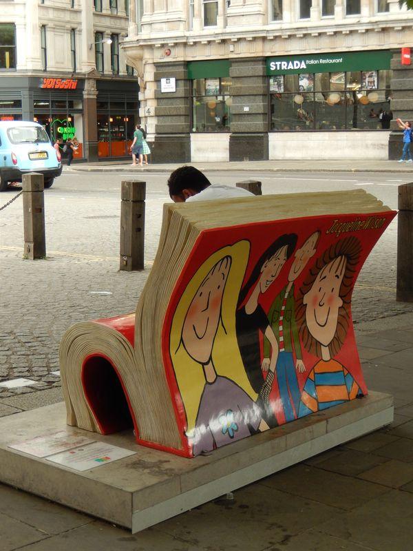 Bücher-Bänke!